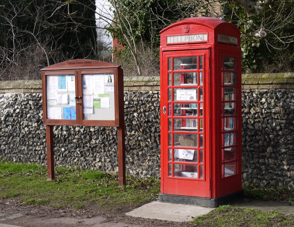 Photo of old phone box in Foxton.